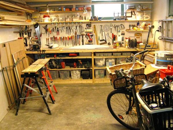 В гараже может размещаться любая мастерская